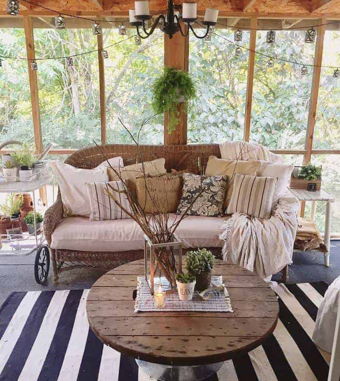 1997-clayton-double-wide-farmhouse-makeover-farmhouse-style-covered-porch