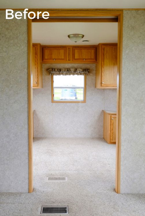 Rv Area With Wall