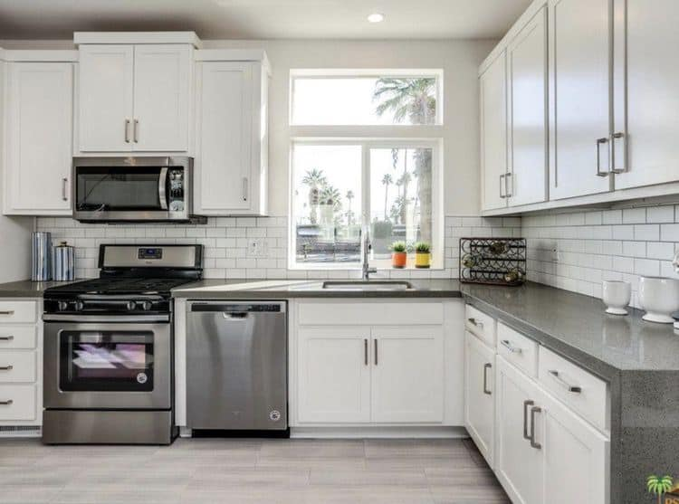 2019 mid mod palm springs - kitchen