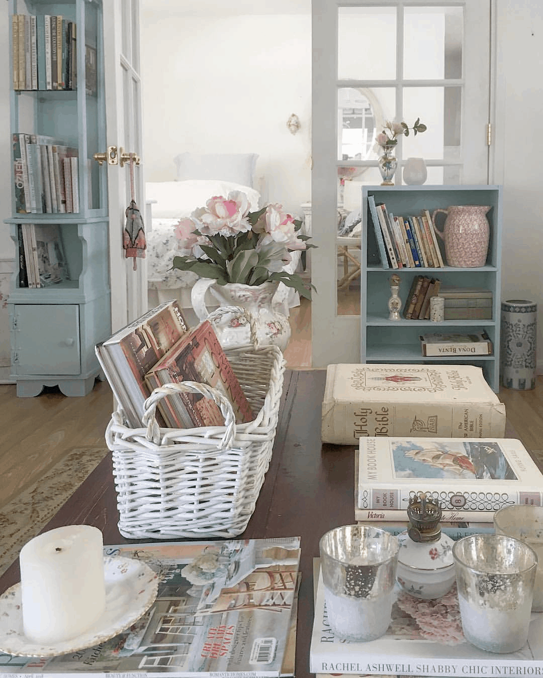 Second-Hand Love: Romantic Shabby Chic Mobile Home 2