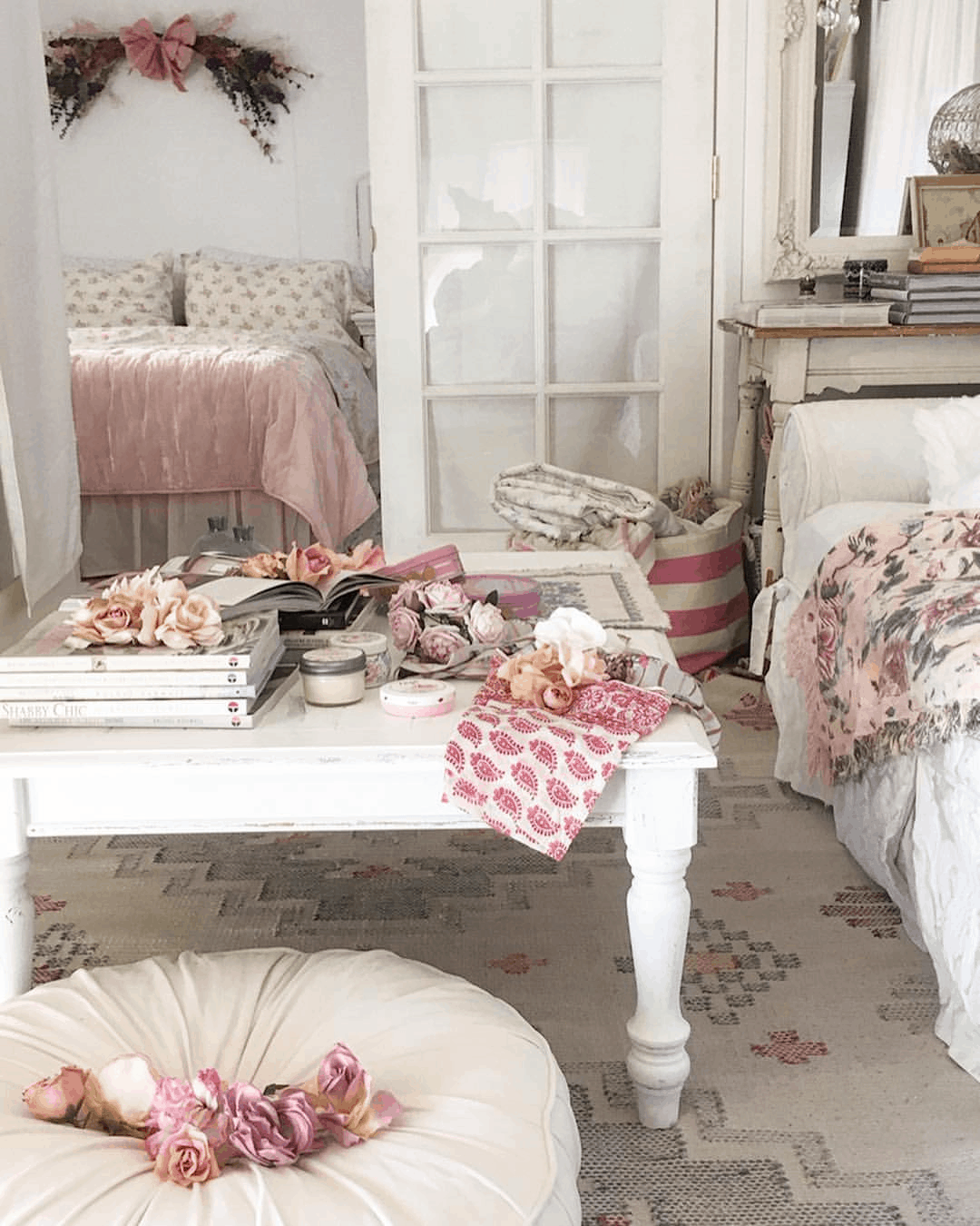 Second-Hand Love: Romantic Shabby Chic Mobile Home 10