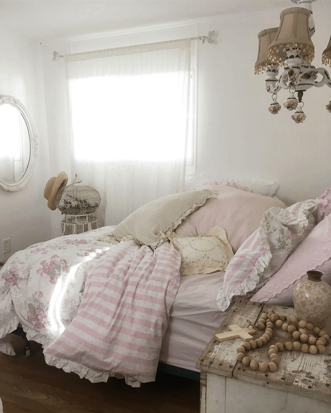 Second-Hand Love: Romantic Shabby Chic Mobile Home 5