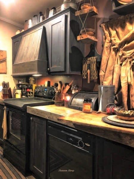 Primitive decor-kitchen 2