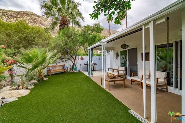amazing backyard at palm springs double wide