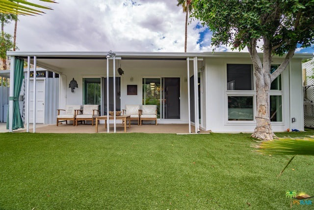 palm springs double wide with amazing features