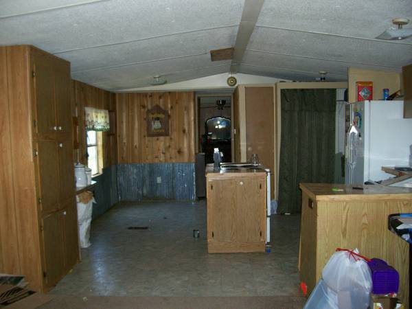 Kitchen old mobile home before remodel
