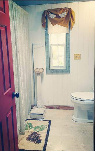 Country Cottage Manufactured Home Decorating ideas - laundry room before