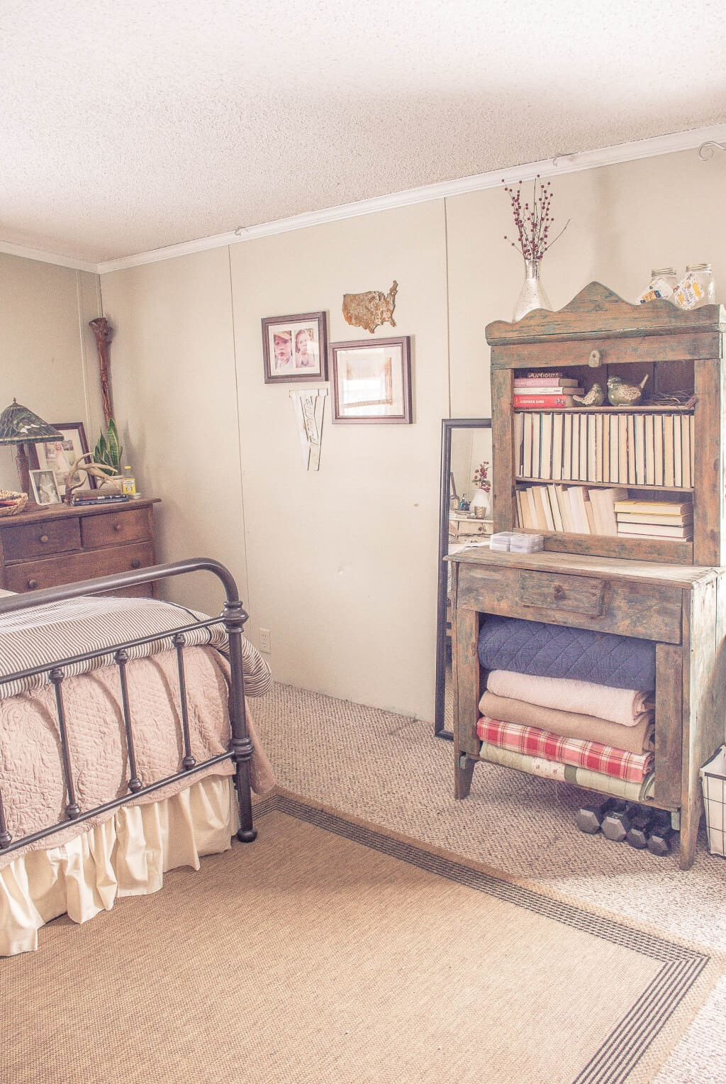 Country Cottage Manufactured Home Decorating ideas- Living Room -  Master Bedroom 2