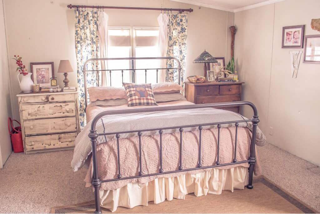 Country Cottage Manufactured Home Decorating  -  Master Bedroom 3