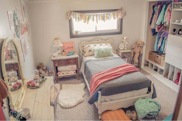 Country Cottage Manufactured Home Decorating ideas - Little Girls Bedroom 2