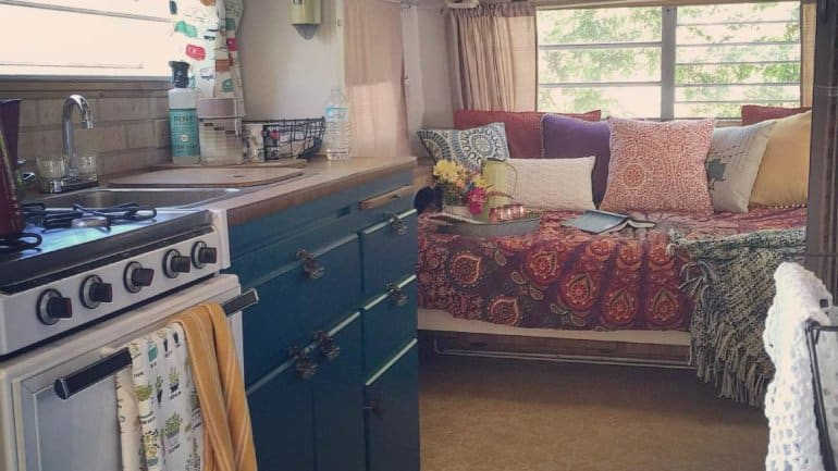 Chantal's Colorful Camper Makeover – A Teal Delight