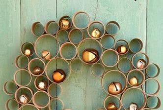 DIY-Christmas-decor-ideas-cardboard-wreath