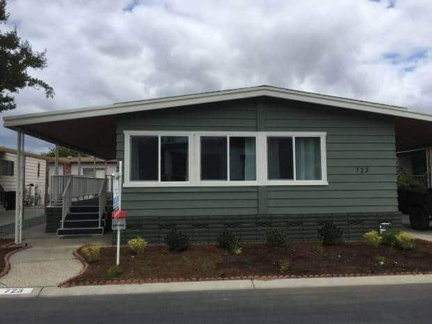Replacing Mobile Home Windows - Exterior of a double wide with new windows