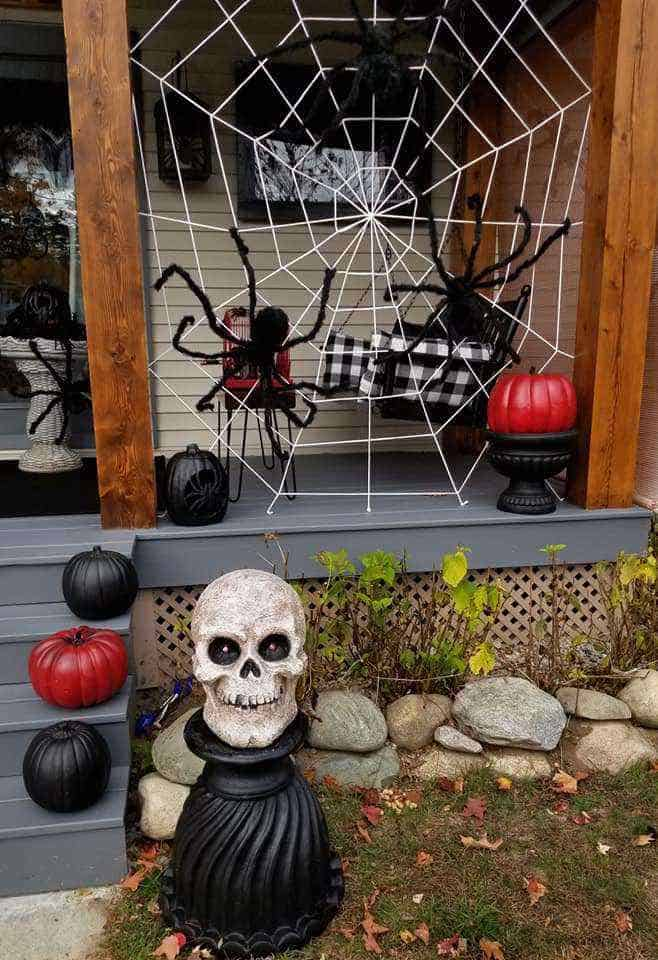 Halloween decor manufactured home porch decor pumkins and skull