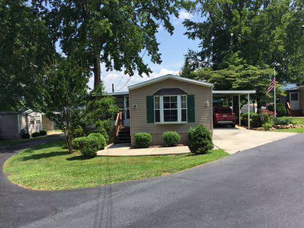 Our 10 Favorite Craigslist Manufactured Home Listings in July 2017 - Asheville NC single wide -manufactured home discrimination