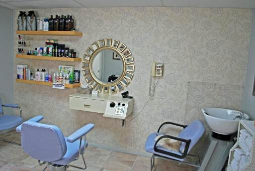 In-home salon built onto a manufactured home - station