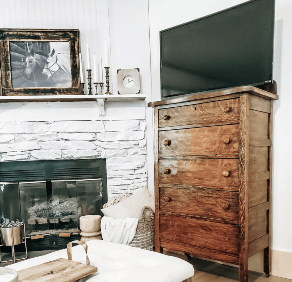 Eclectic Farmhouse Mobile Home Remodel 9