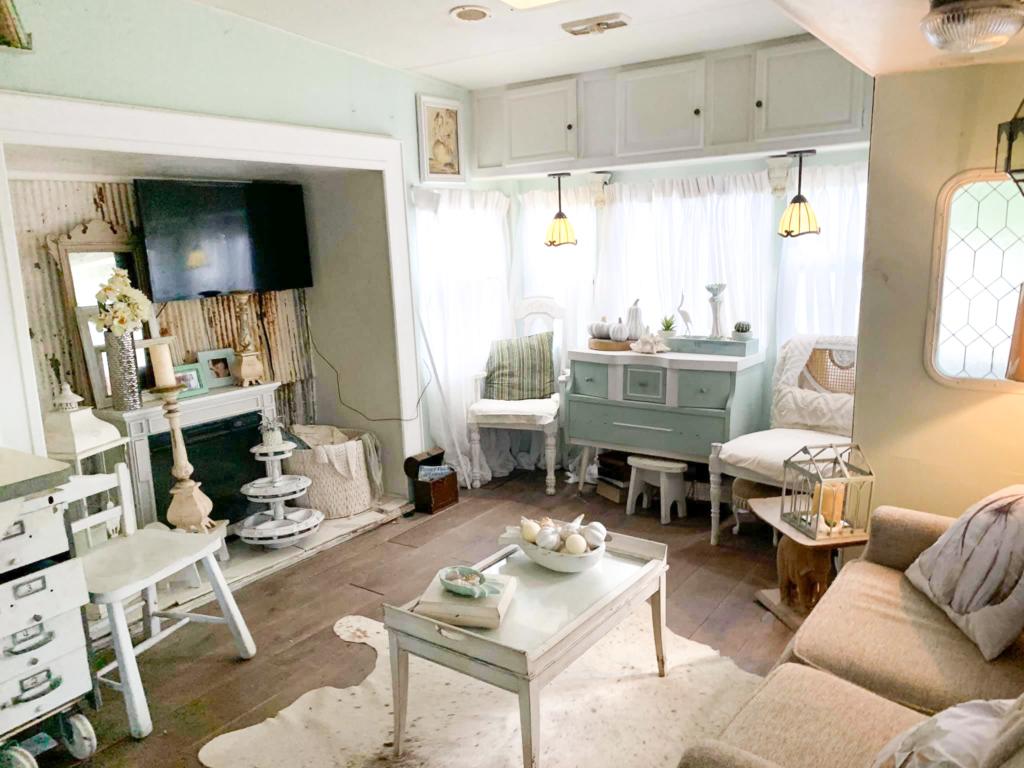 Toni arnold r v shabby chic farmhouse makeover living room 2