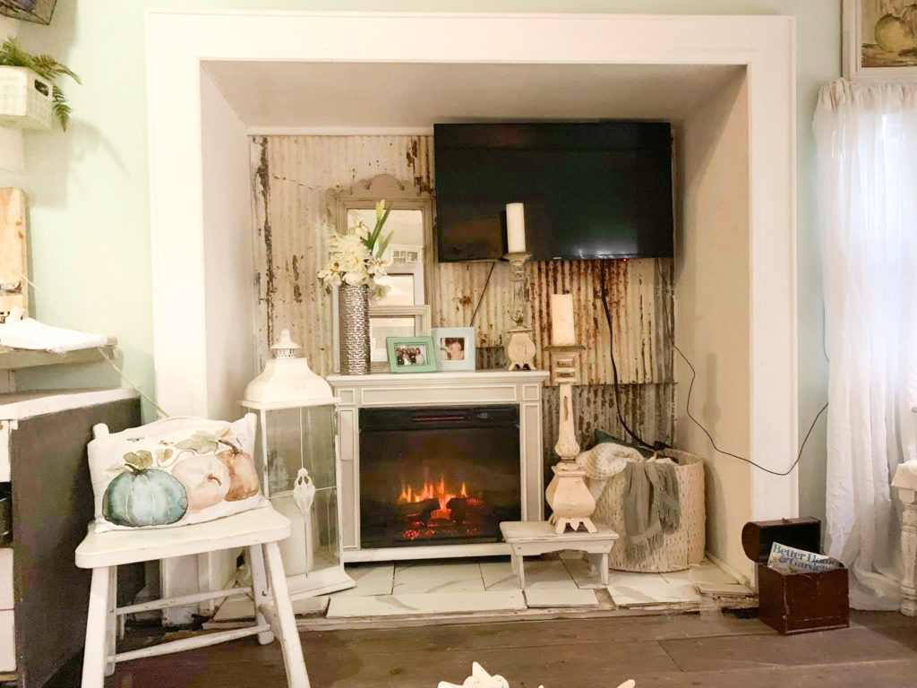 Toni Arnold‎ R V Shabby Chic Farmhouse Makeover Tv Nook 1