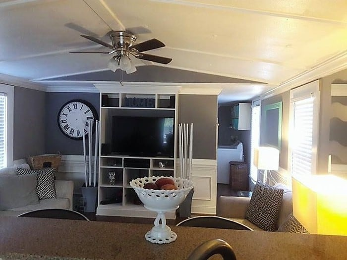 Using Thick Trim To Cover The Seams Of A Mobile Home Ceiling