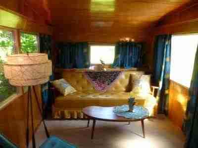 Vintage Mobile Homes and Campers - 1953 Silver Star - restored interior - living room 5