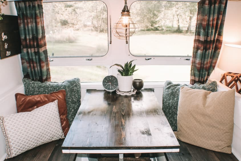 Augustine the airstream table