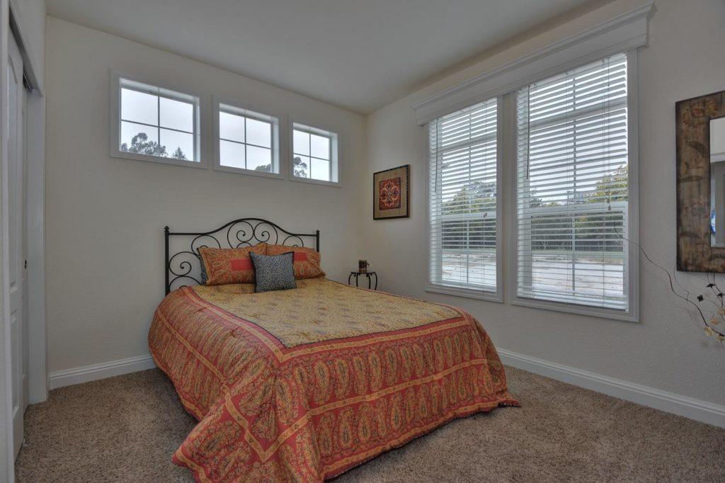 Balboa island guest bedroom