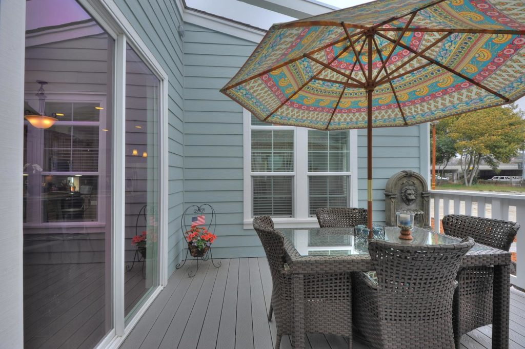 Balboa island manufactured home patio