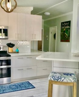 Beach Cottage Breakfast Bar Copy