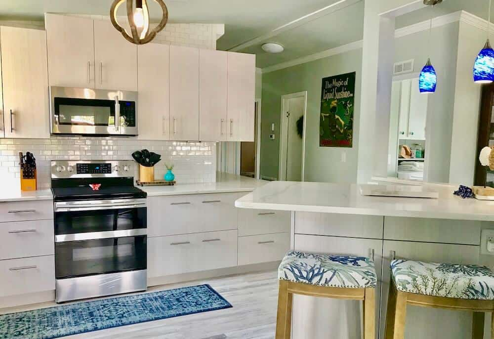 30 Beautiful Mobile Home Kitchen Cabinet Colors