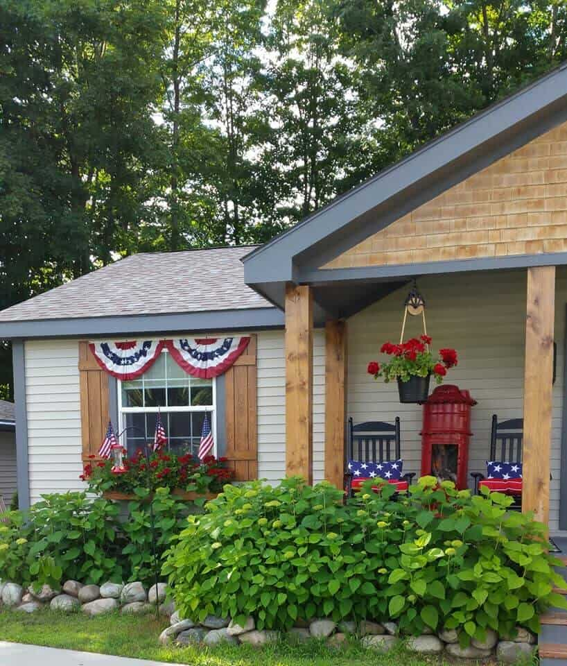 Beautiful Exterior July 4th American Theme