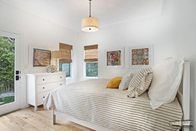 Bedroom 2 in malibu mobile home 930x620