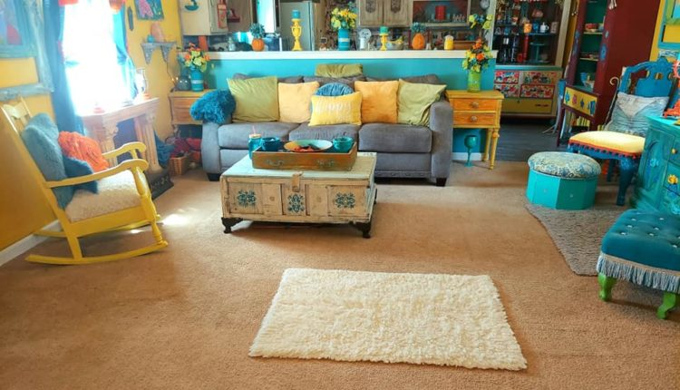 bright-and-colorful-single-wide-living-room