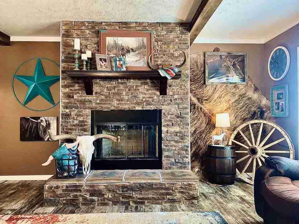 buccaneer-lulabelle-fireplace