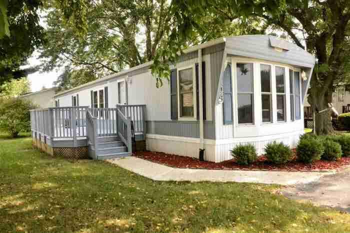 budget friendly mobile homes-70's exterior