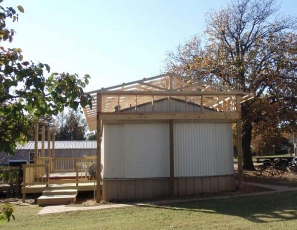The Best Self-Supported Mobile Home Roof Over Designs 14