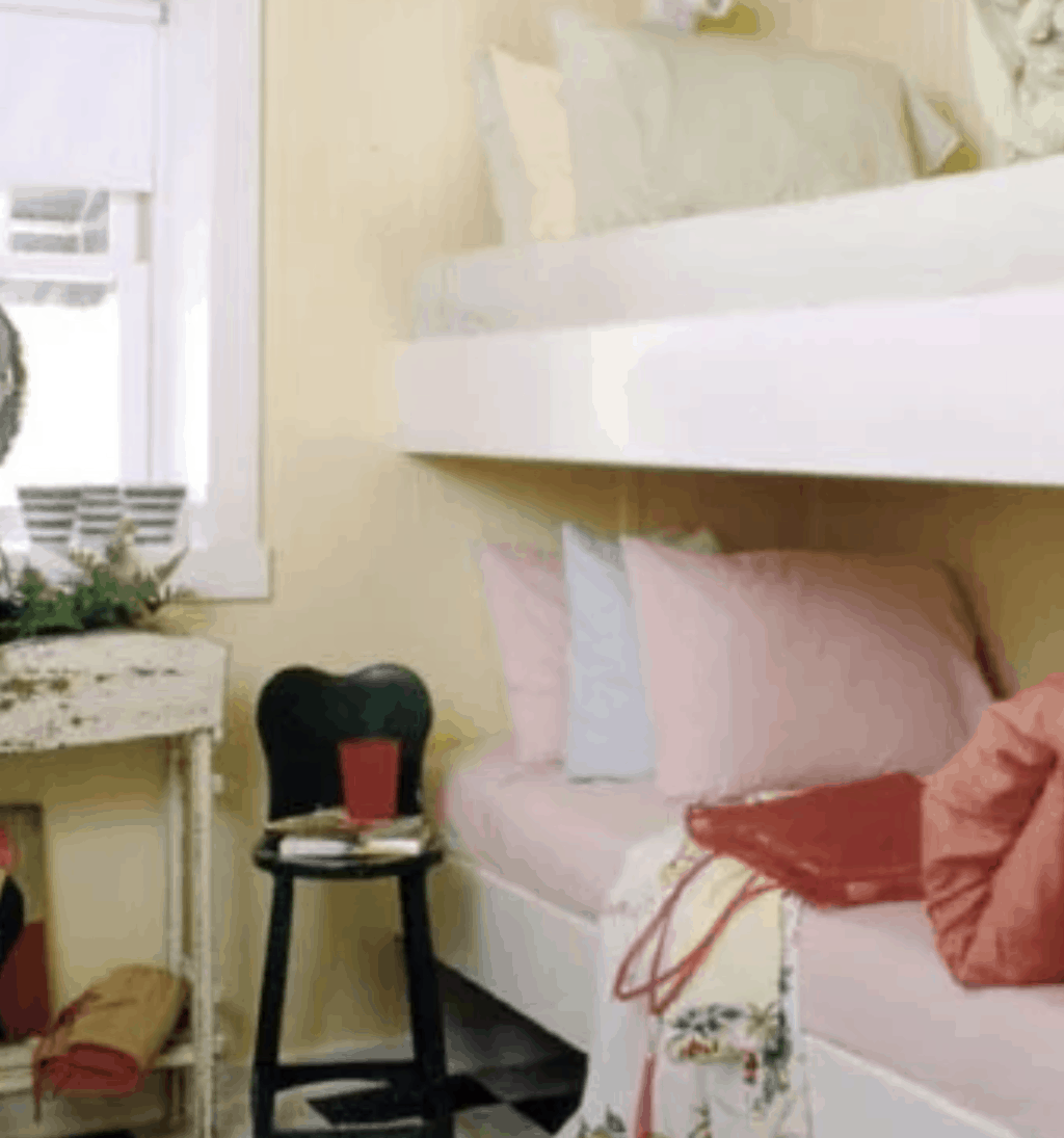 bunk beds in single wide lake house