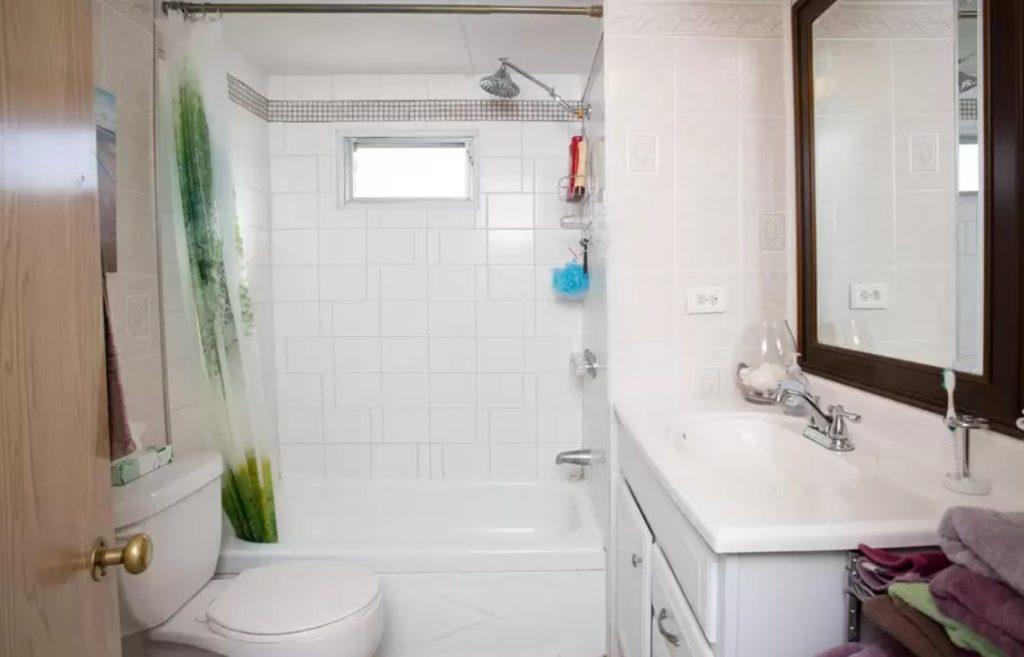 California mobile home bathroom