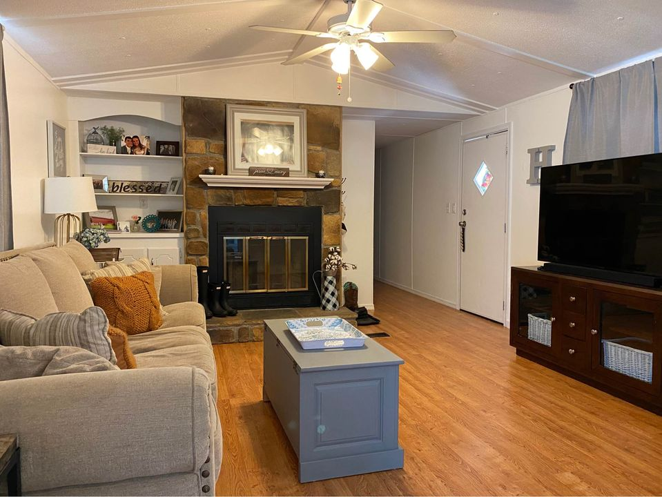 Cheap mobile home newer mobile home living room
