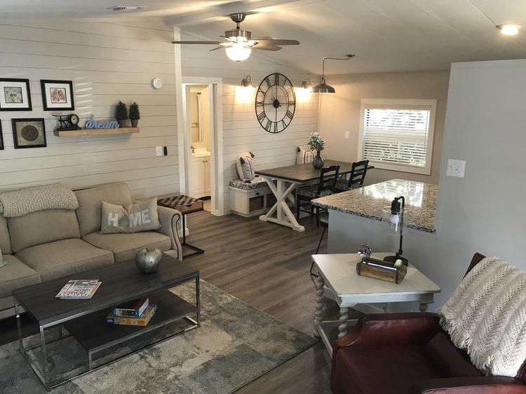 1985 Skyline Double Wide Gets Fresh Coastal Farmhouse Remodel 5