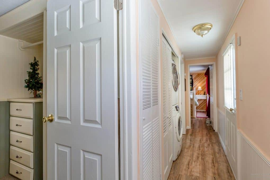 Coastal Single Wide Hallway
