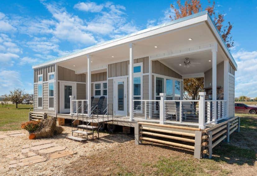 Cool tiny homes park model exterior