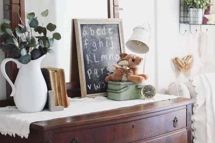 cottage-Farmhouse-bedroom-decor