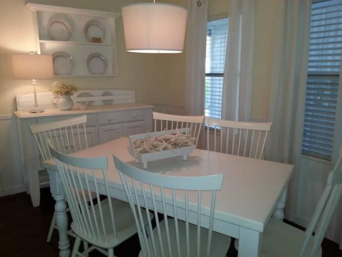 cottage style manufactured home decor - featured home (dining room 2)
