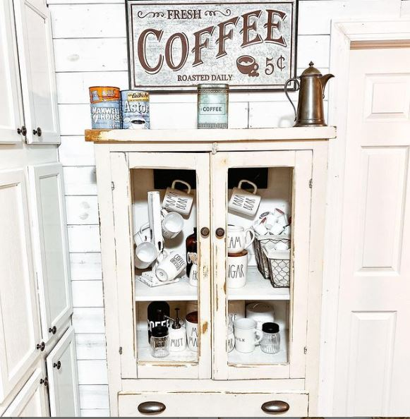 Courson cottage coffee caddy