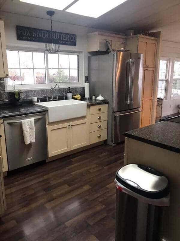 Cream Cabinets In A Mobile Home