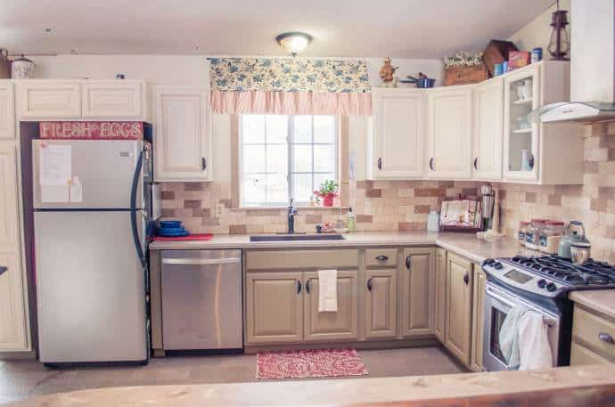 Decorating your manufactured home with natural elements - stone backsplash