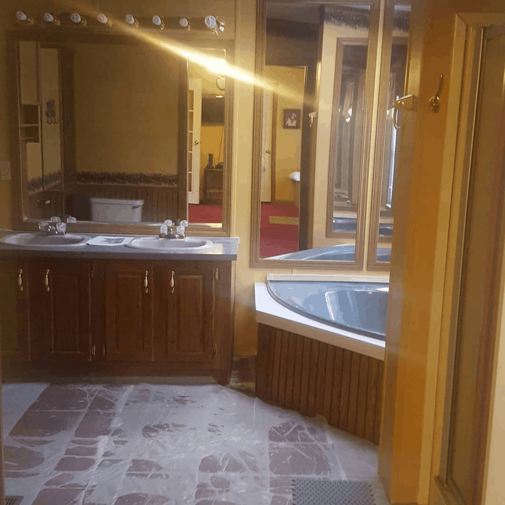 Eclectic Farmhouse Double Wide Mobile Home Bathroom Before Remodel00003