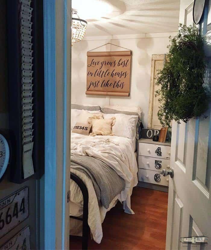 Farmhouse Bedroom Decor Jpg