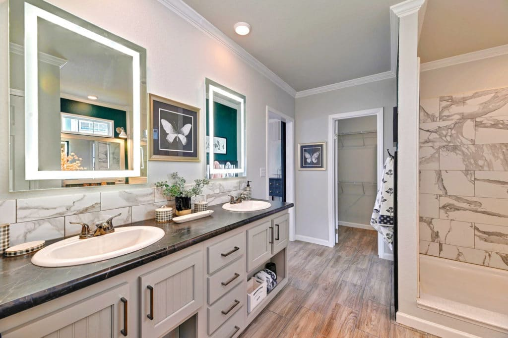Farmhouse flex master bath